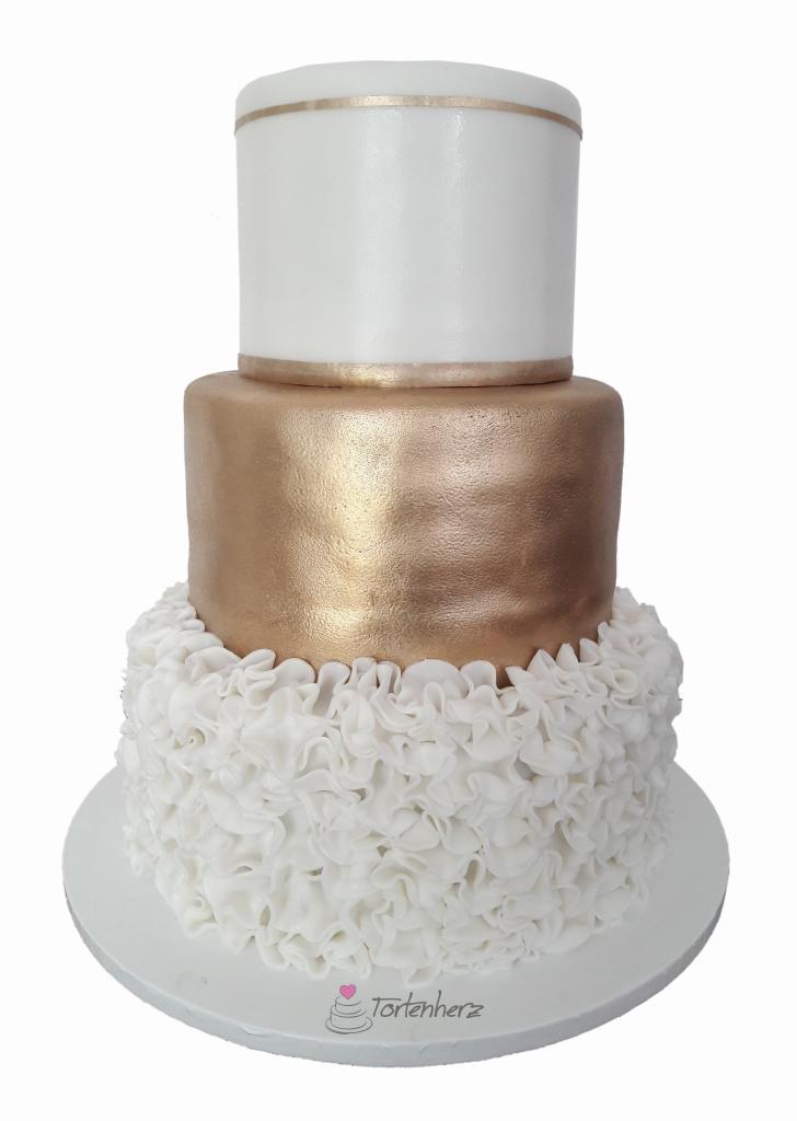 Hochzeitstorte mit Gold und Ruschal