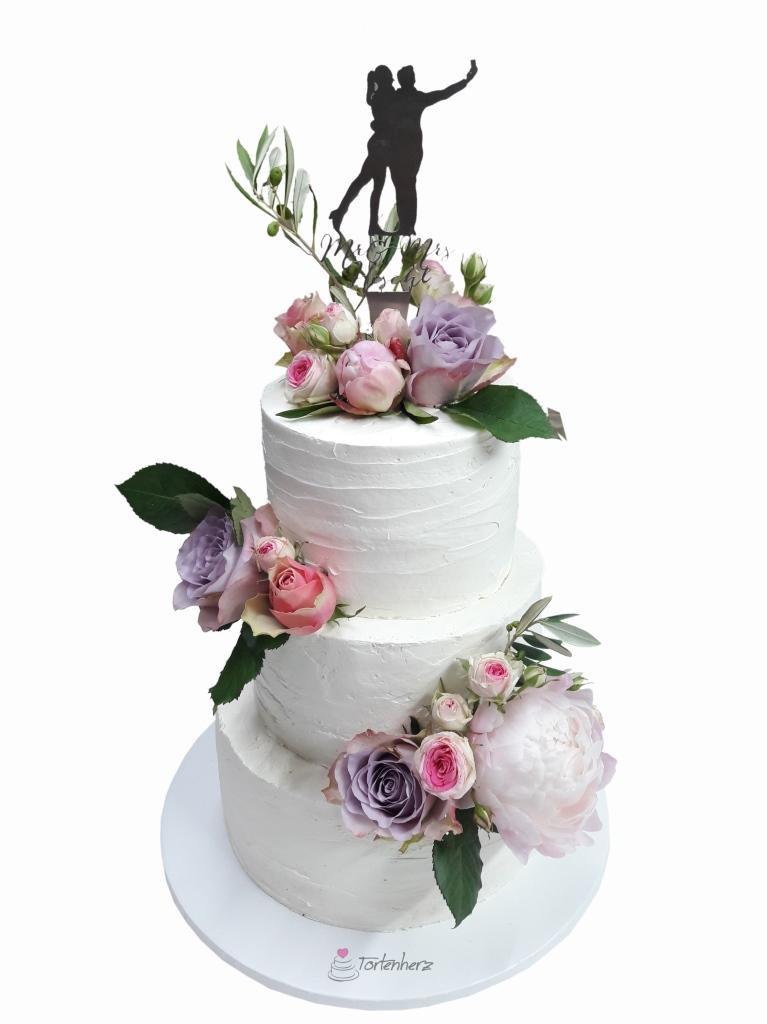 Cremetorte mit echten Blumen und Cake Topper