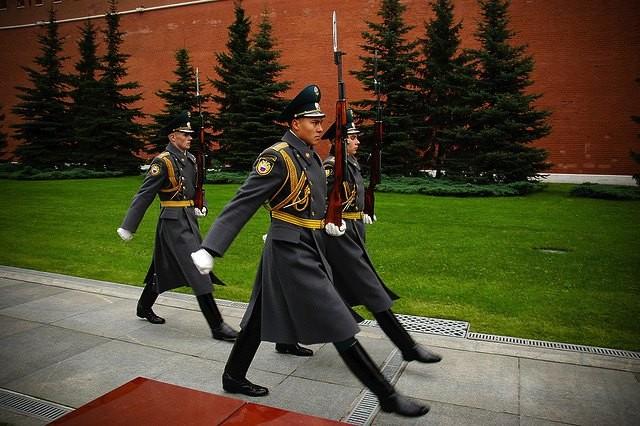 クレムリンの衛兵 by  Oleg Zdorik