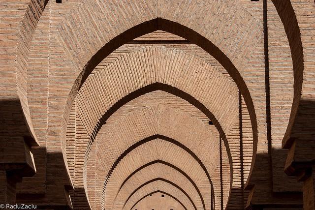ティンマルモスクの美しい門