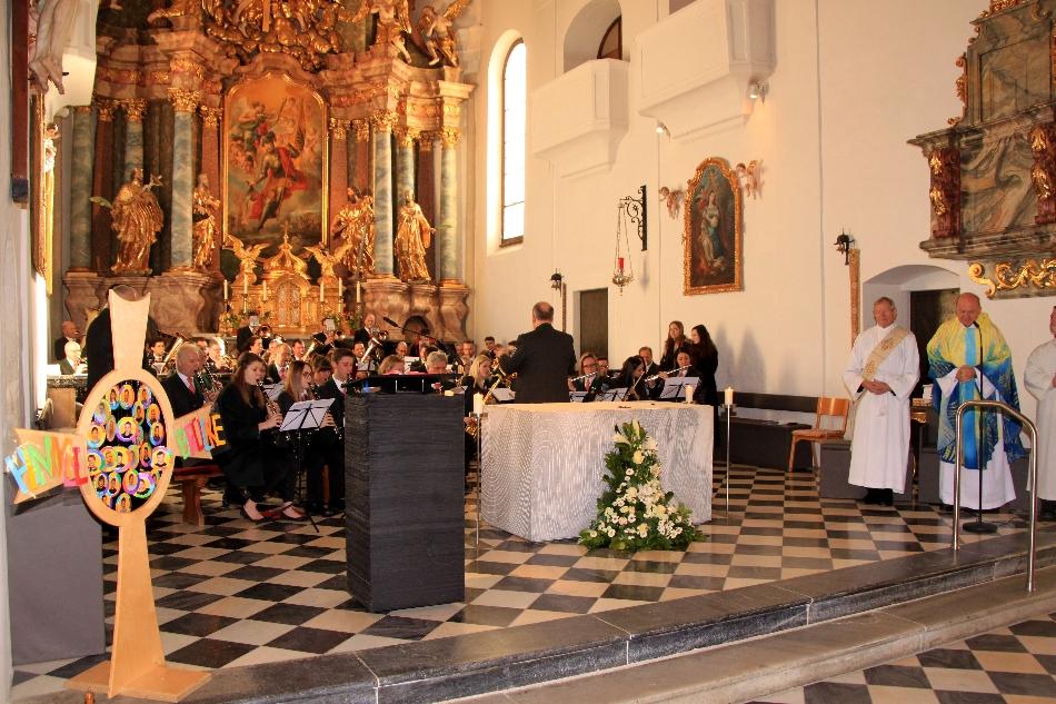 Umrahmung der hl. Messe