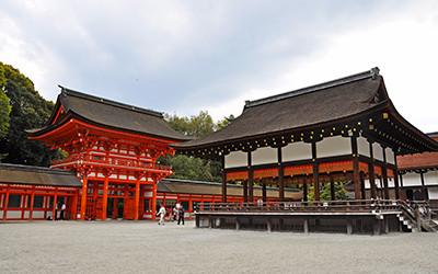 下鴨神社、楼門と舞殿