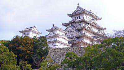 姫路城、右が大天守