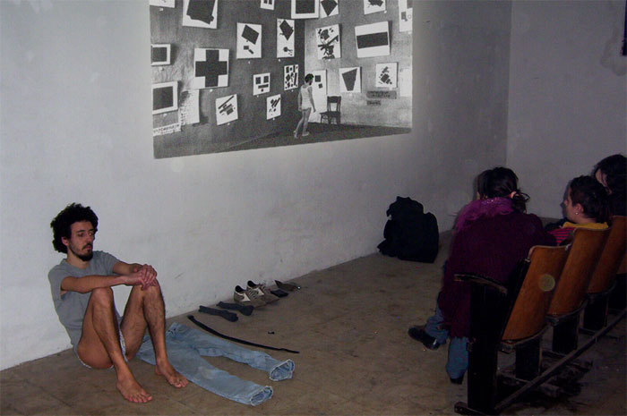 2004_video/performance.a.Bologna_fotografia.a.documentazione.dell'evento