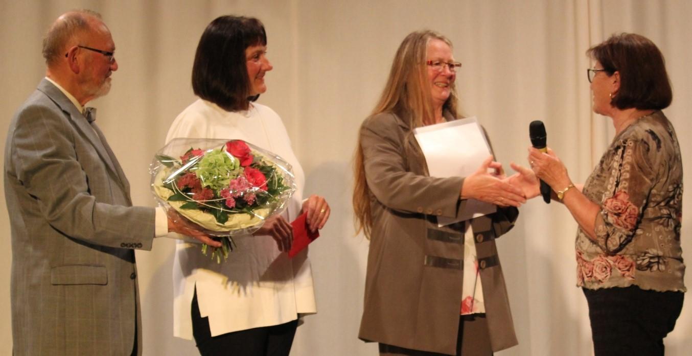 Dr. A. Kustermann, A. Socher, Preisträgerin M. Schauer, P. Berger