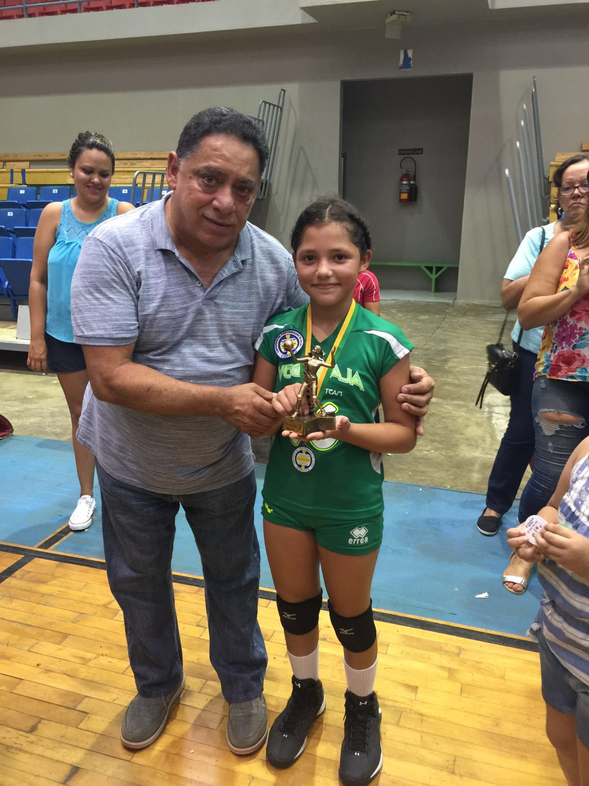 LA NIÑA ANOHA CRUZ DE VEGA BAJA TEAM MVP 2016 EN 10 UNDER