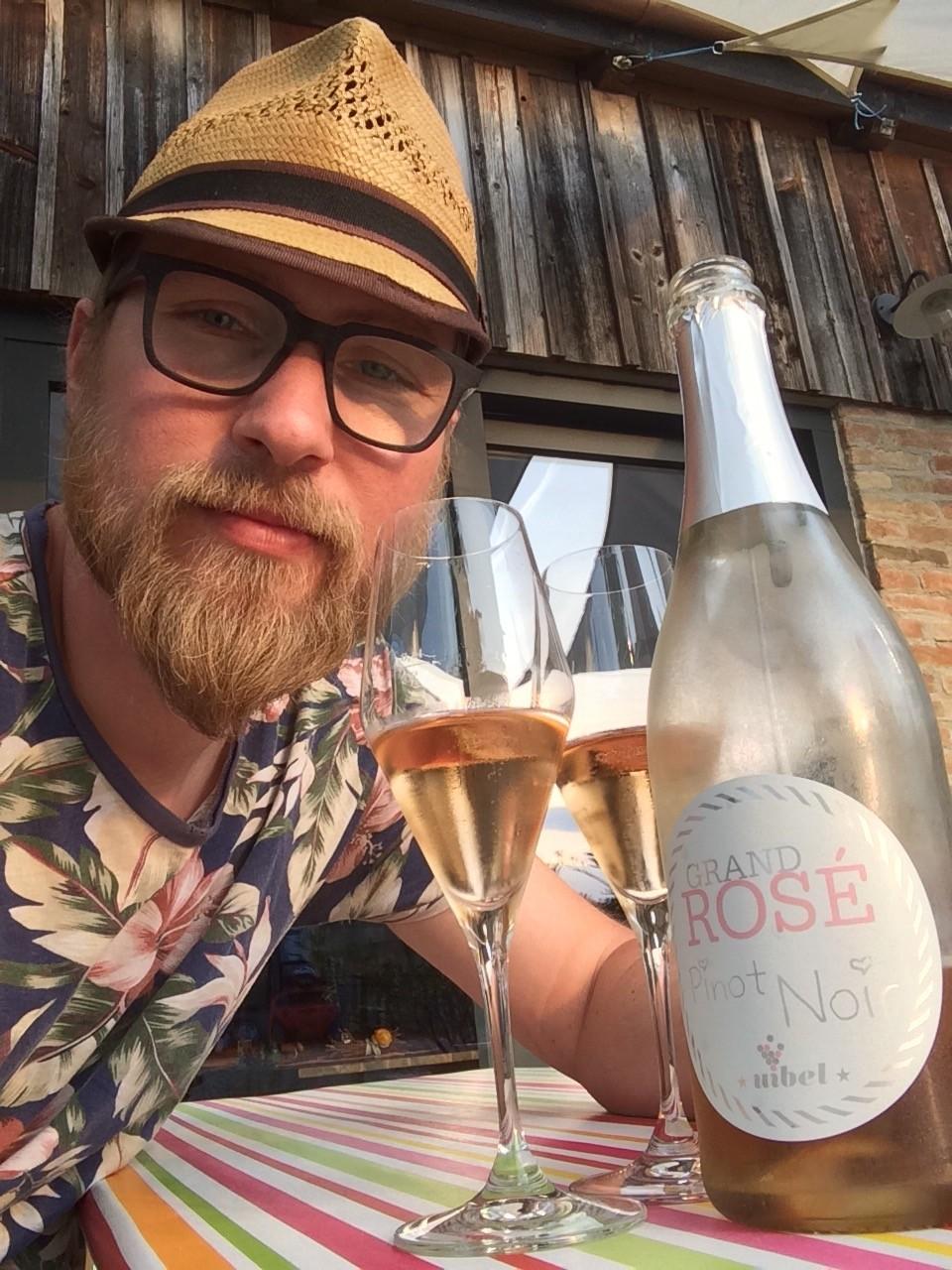 Feierabend mit Grand ROSE - Schaumwein