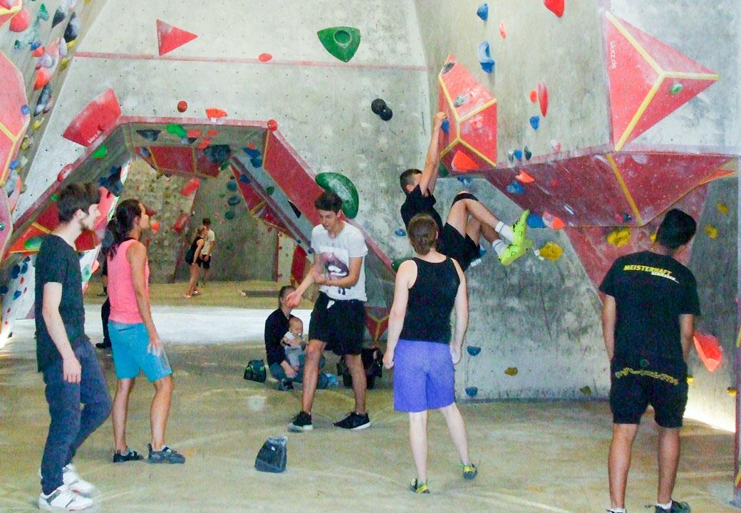 Juni 2017 - Projekttage: Starke Finger - klettern in der Boulderlounge