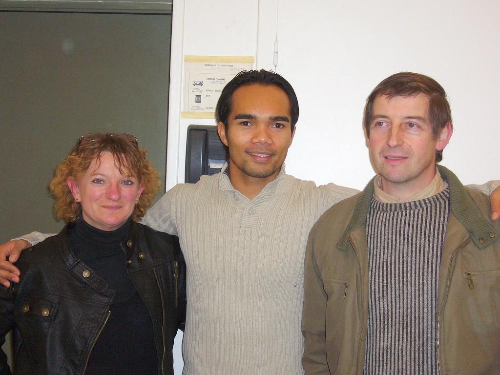Minh en compagnie de Véronique et Laurent
