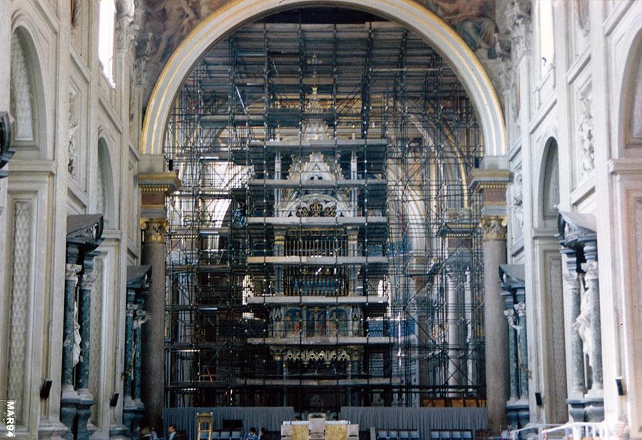 Restauro del'altare centrale della Basilica di San Giovanni in Laterano a Roma eseguito da Pietro Rosa - Rosa Decorazioni