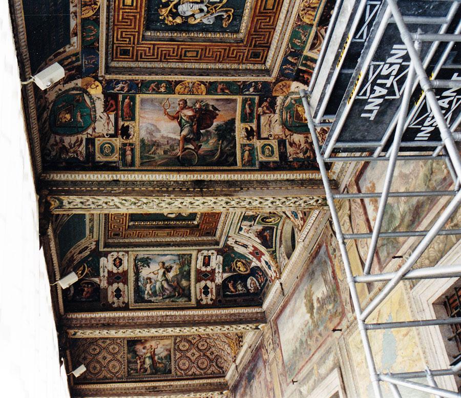 Restauro dei soffitti della terza Loggia del Palazzo Apostolico in Vaticano eseguiti da Pietro Rosa - Rosa Decorazioni