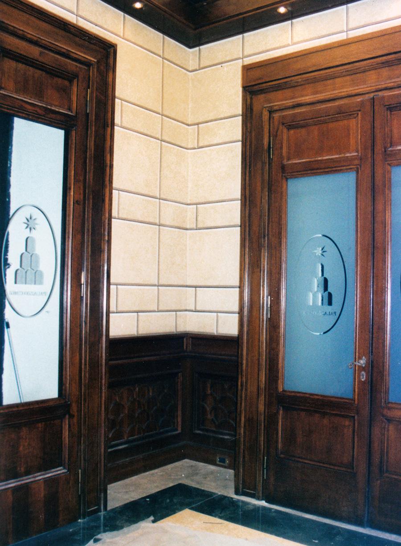 Decorazione murale - Decorazione del secondo sbarco ascensori con finto bugnato. Palazzo Chigi a Roma - Rosa Decorazioni