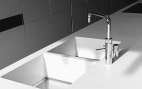 solid surface is zeer geschikt voor werk- en keukenbladen, badkamers en balies