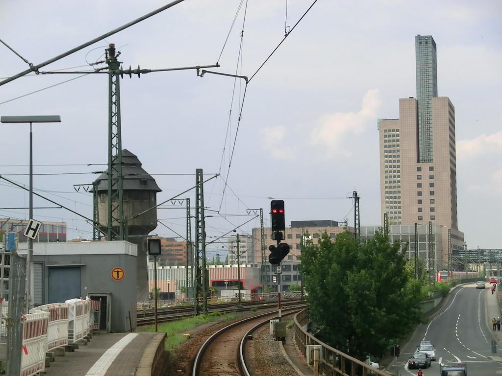 Frankfurt am Main - Gallus - Günderrodestr. / Emser Brücke