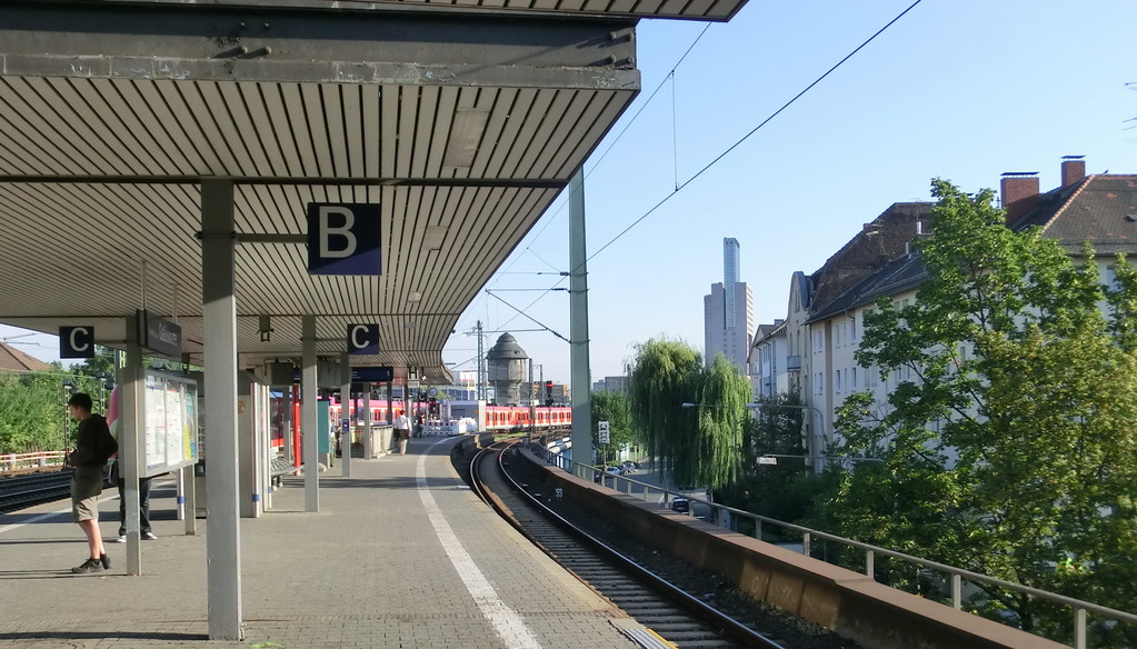 Frankurt am Main - Gallus - Galluswarte - S-Bahnstation