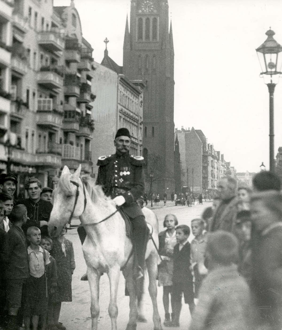 Zu Pferd in Berlin Pankow