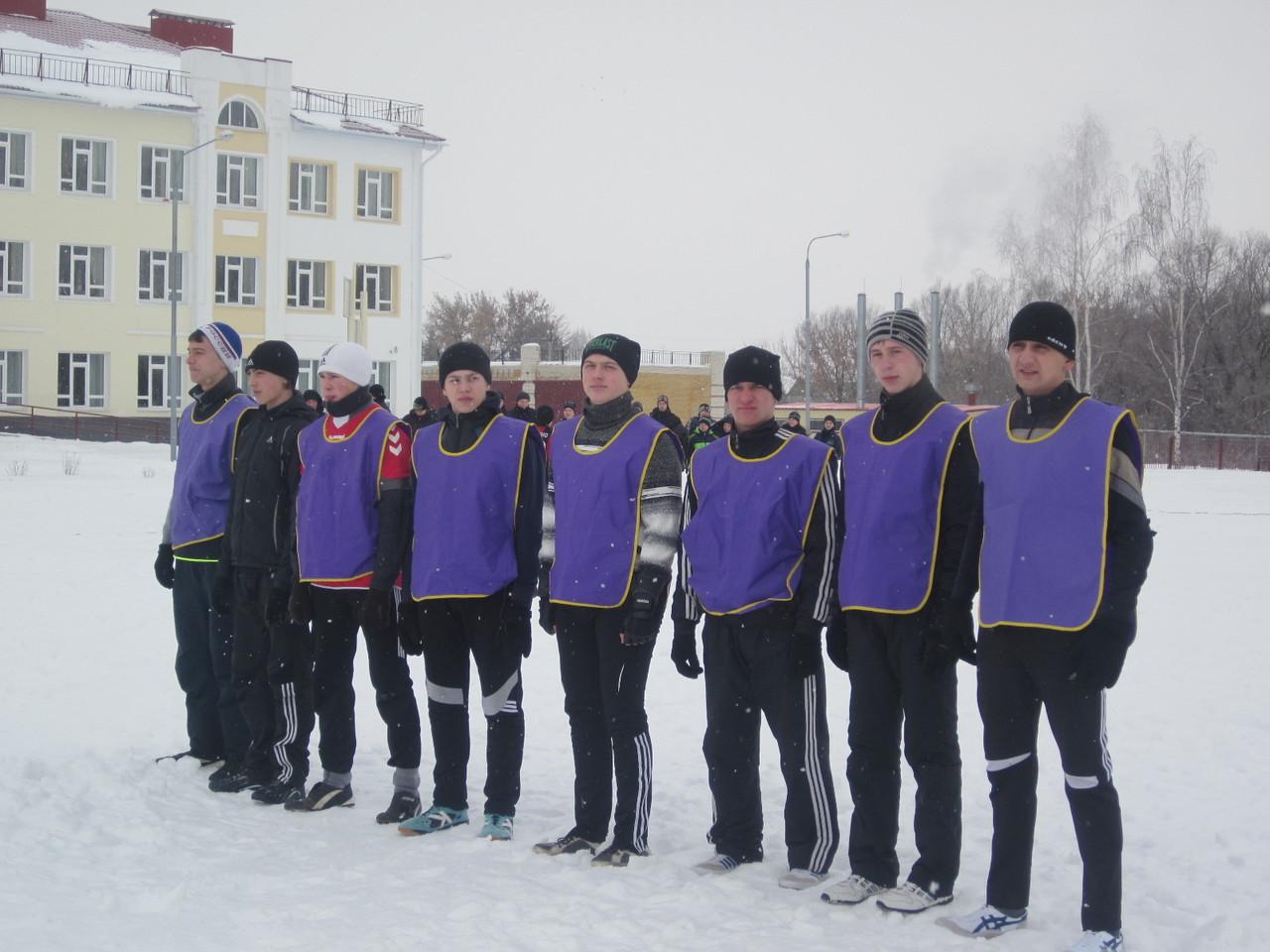 Зимняя Спартакиада . Футбол на снегу.