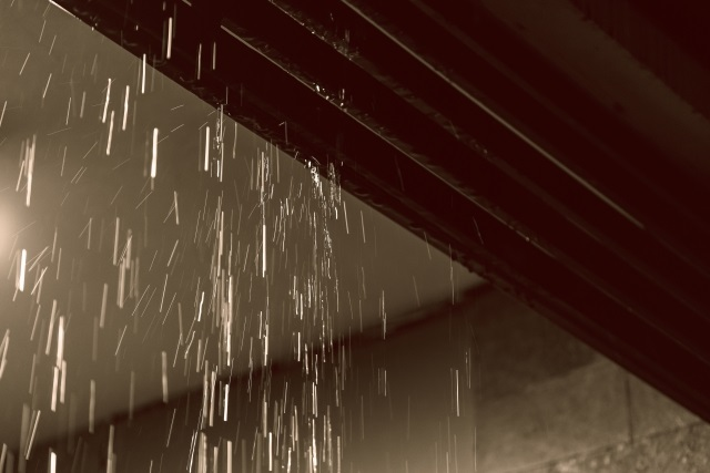 壁からの漏水箇所の特定は難しい??