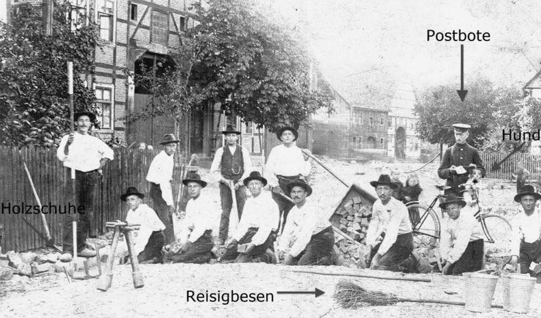 Kopfsteinpflasterverlegung Lange Strasse / Ecke Weserbrücke Anfang 1900