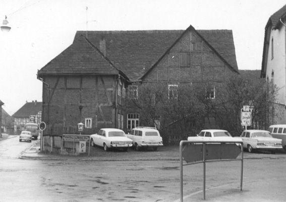 Parkplatz gegenüber Hotel zur Weser