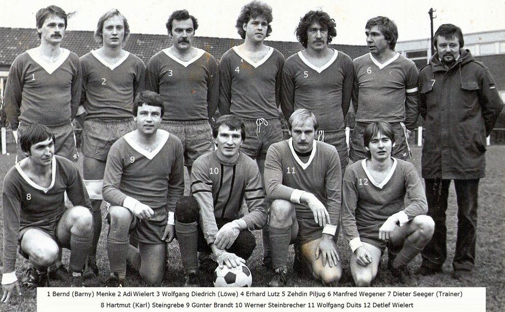 I. Mannschaft des SC Lauenförde. Spiel gegen den SV Steinheim  (5:2) am 03.11.1978( vergrösserbar)