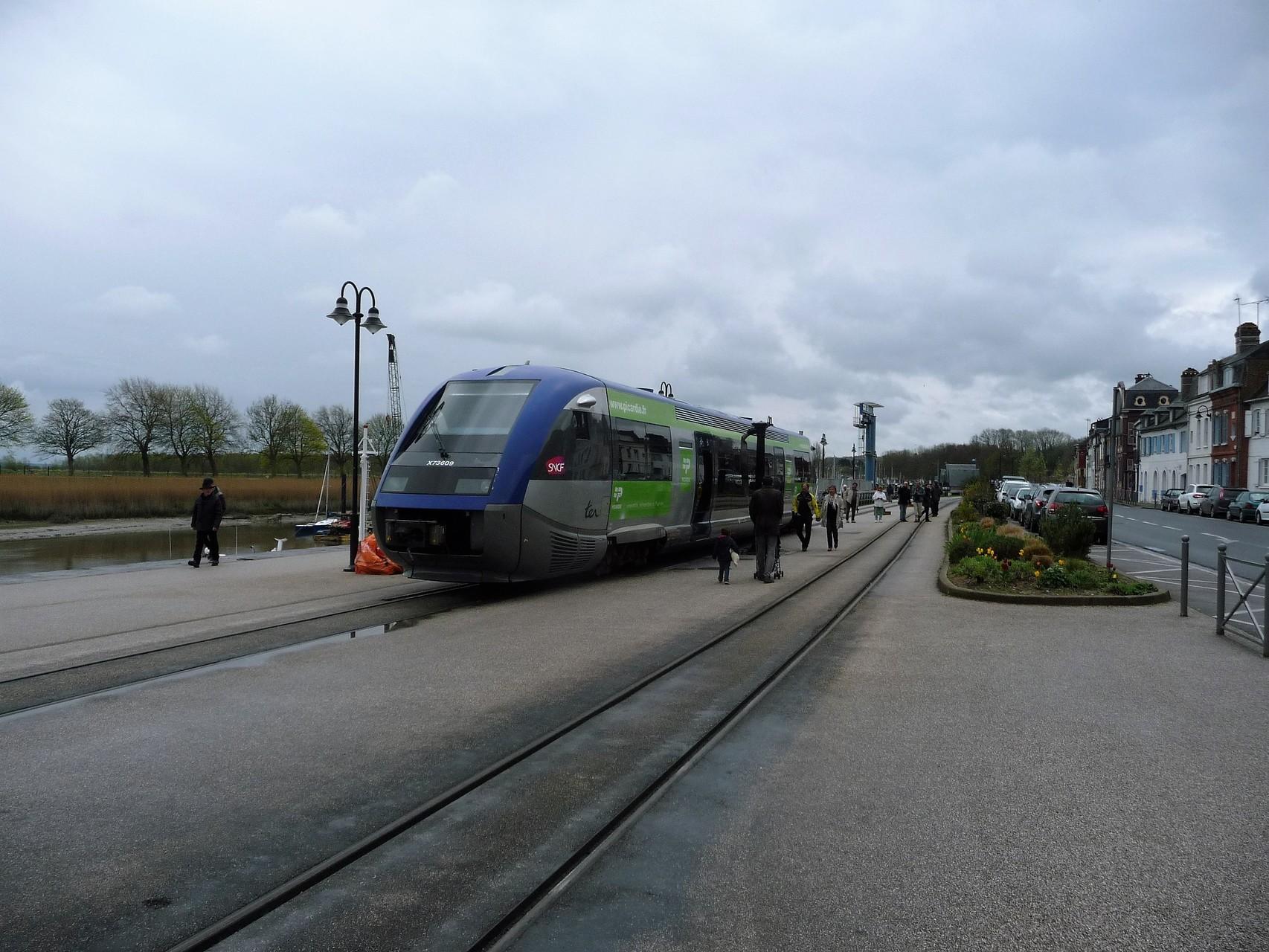 Autorail X-76500 de la SNCF TER Picardie - Saint-Valéry sur Somme