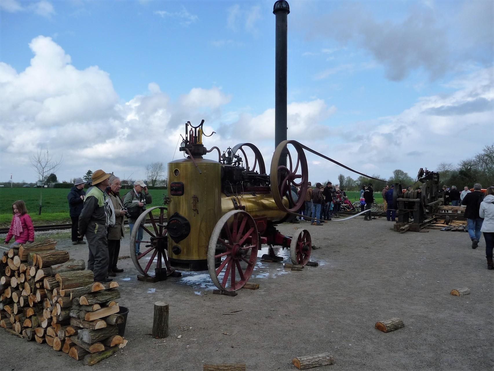 matériels anciens à vapeur : scierie au Crotoy