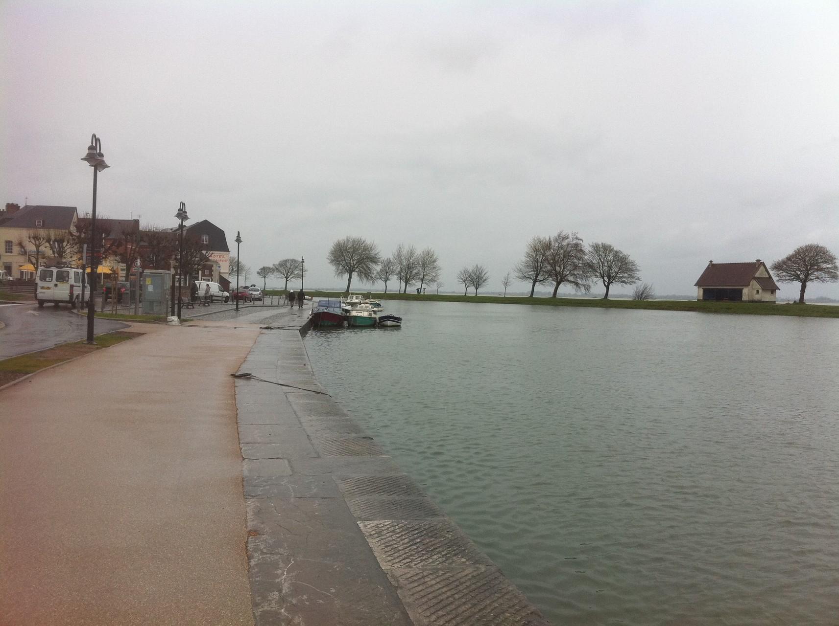 Grande marée dans le port - Baie de Somme