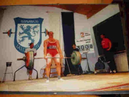 Holger Mainz mit 300 kg