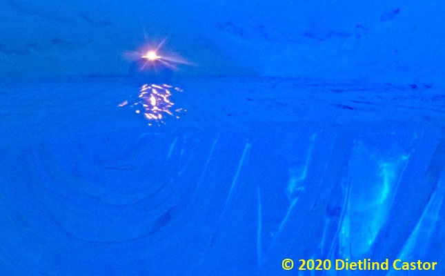 Impression in Blau © 2020 Dietlind Castor