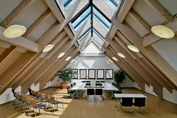 Akustikbau in einem Dachgeschoss Büro von der CMS Fassadengestaltung GmbH