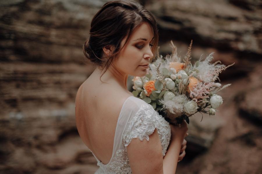 Braut im Kalkstein Felsen ~ Fotograf: ViviundKate