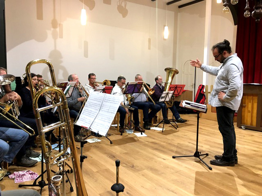 Probenwochenende auf Norderney: Chorleiter Oscar Alemany Lopez