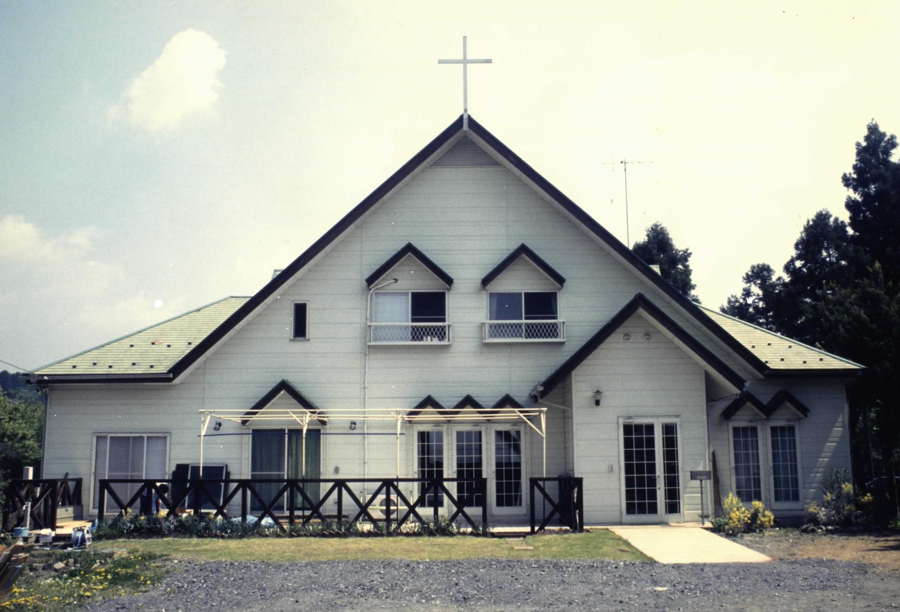 現在の建物が立った時の高麗聖書教会。