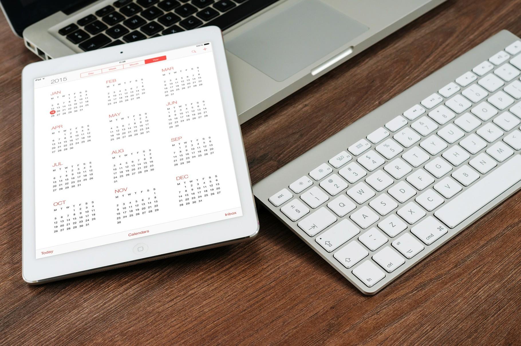 2. Computer und Co. erleichtern unseren Alltag. Doch auch das tägliche Surfen im Internet verschlingt eine Unmenge an Zeit und viele der Seiten auf denen wir surfen haben nicht wirklich einen Mehrwert.