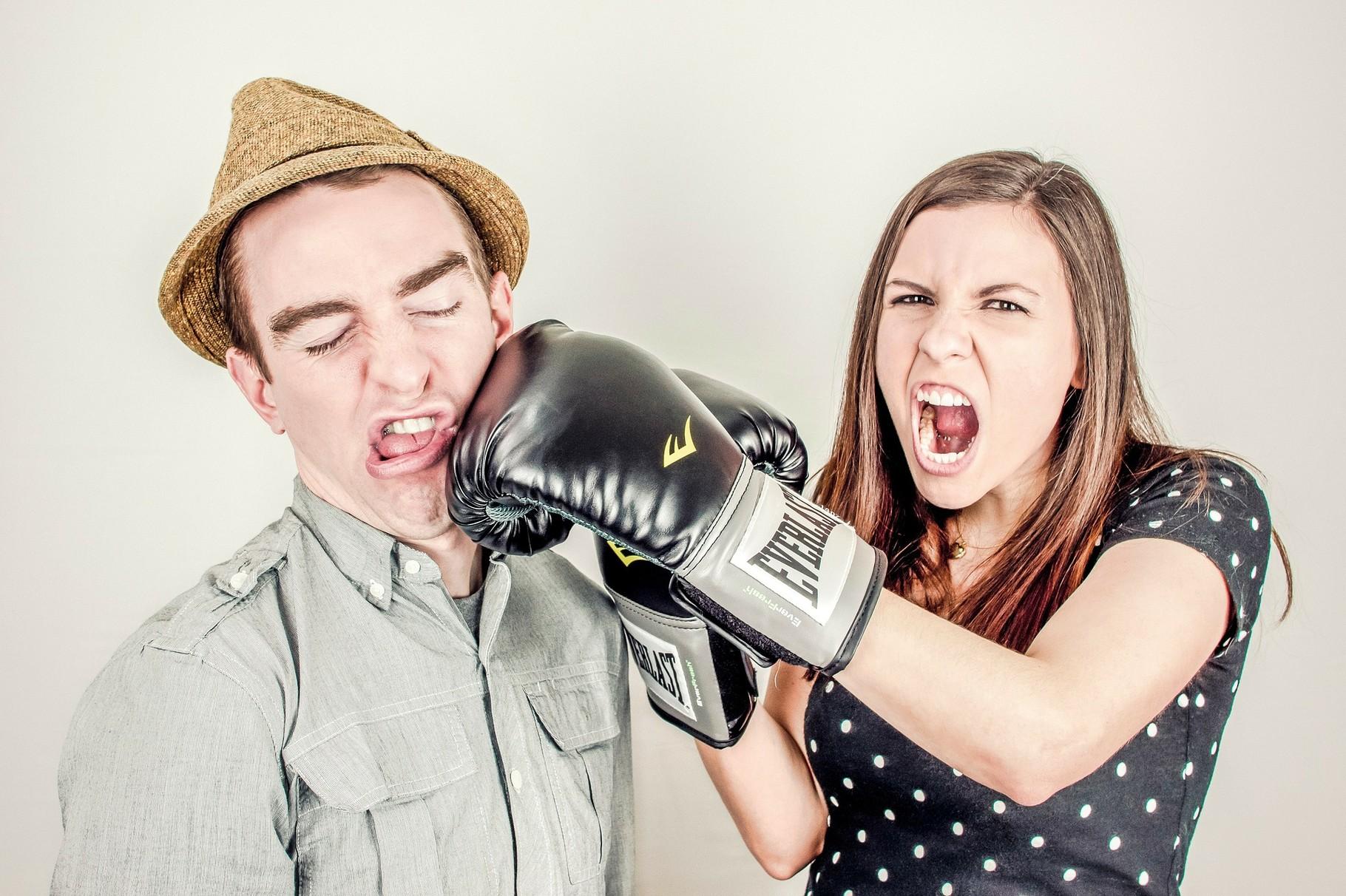 5. Schlechte Kommunikation. Bewusst ist uns dieser Zeitfresser eher selten. Aber auch eine schlechte Kommunikation mit anderen kann nicht nur zu Streit führen, sondern auch viel Zeit kosten.