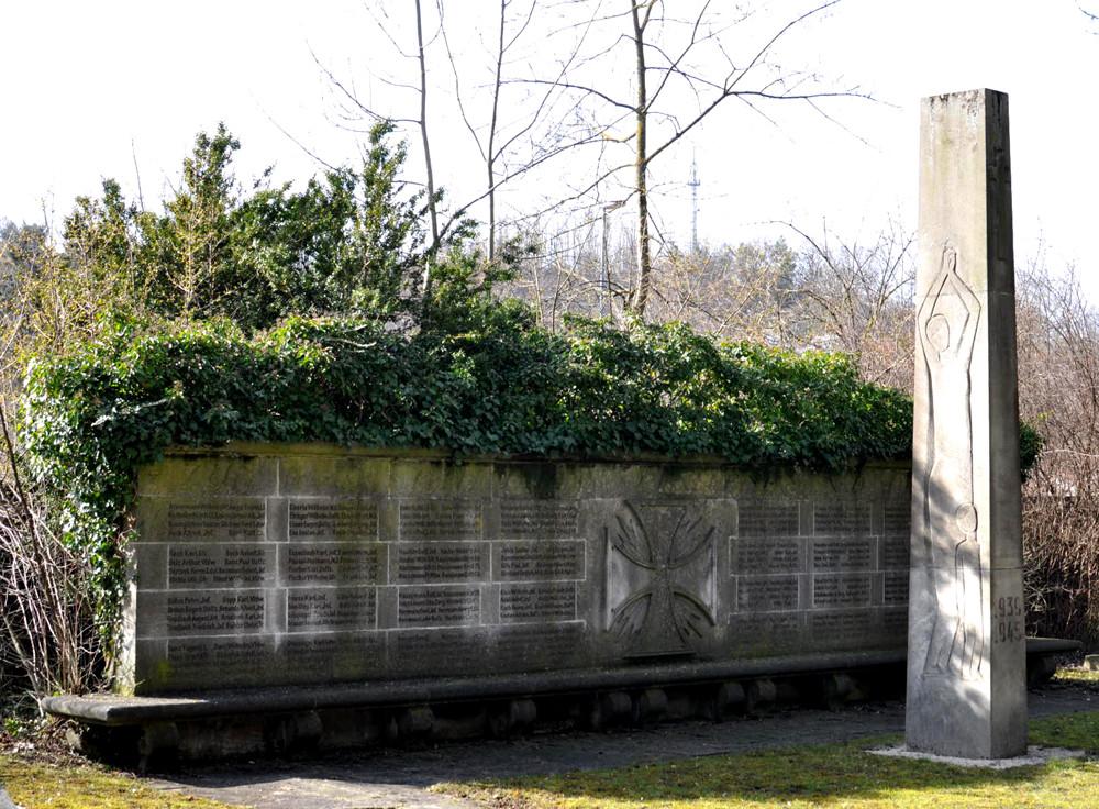 """Gedenkmale (""""Kriegerdenkmale"""") für die Gefallenen des 1. und des 2. Weltkriegs, 08.03.2013, Foto: Manuel Werner"""