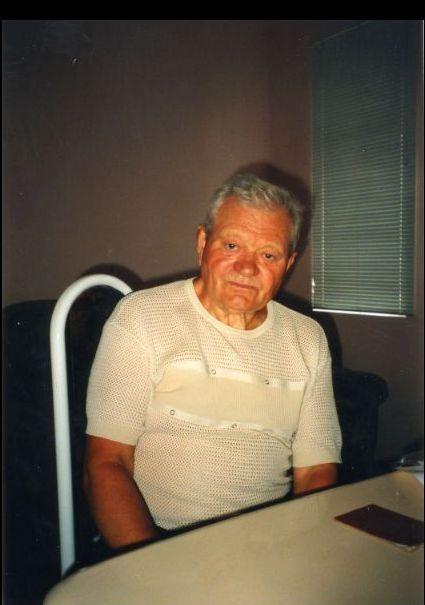 Anatoli Andrejewitsch Grischtschuk in seiner Wohnung in der Ukraine,  August 1999, Foto: Sabine Gerhardus,, , Bildrechte: Archiv der KZ-Gedenkstätte Dachau, DaA F 33467.