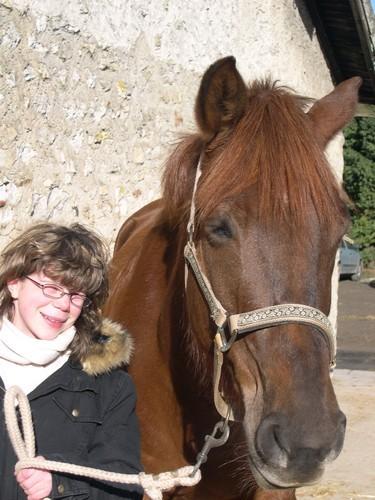 Morgane, fille de Nadia et son poney Java