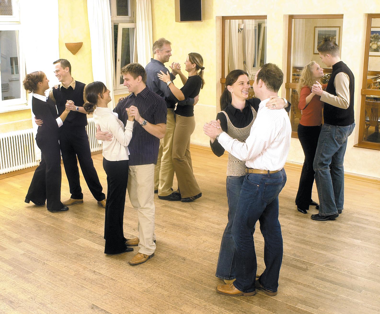 Tanzschule Kaechele Leverkusen   Tanzkurse, Zumba, Fitness, Ballett