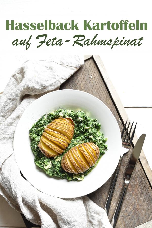 Hasselback Kartoffeln auf Feta Rahmspinat, Hasselback Kartoffeln sind ganz einfach zu machen, mit Trick (siehe Rezept) einschneiden, dann einfach backen, Rahmspinat mit Fetakäse oder vegan Tofu, leckeres MIttagessen, Thermomix, vegetarisch