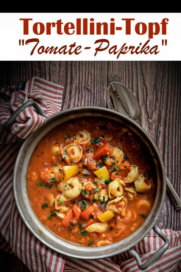 """Tortellini Topf """"Tomate Paprika"""" - leckerer Tortellini Eintopf mit Möhren, Sellerie, Zwiebeln und Paprika, gekocht in stückigen Tomaten mit Tortellini, vegetarisch, vegan möglich, Thermomix, all in one Rezept, Familienküche"""