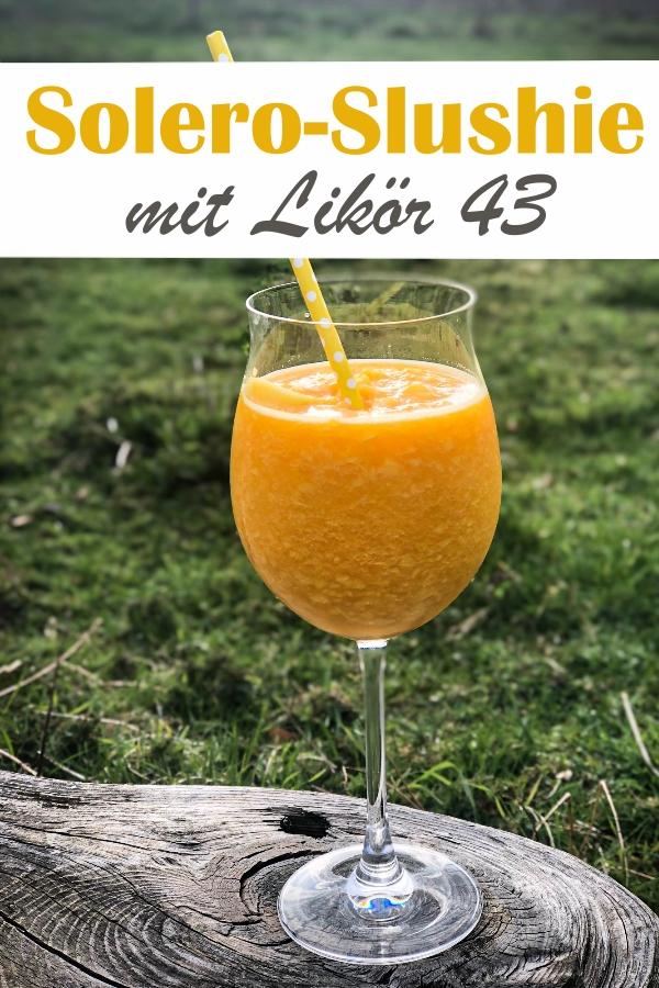 Solero Slushie, das perfekte Getränk für den Sommer - TK Mango  mit Maracuja Eiswürfeln und Maracujanektar sowie Likör 43 in den Thermomix geben und mixen - super Erfrischung und das perfekte Getränk für die Terrasse