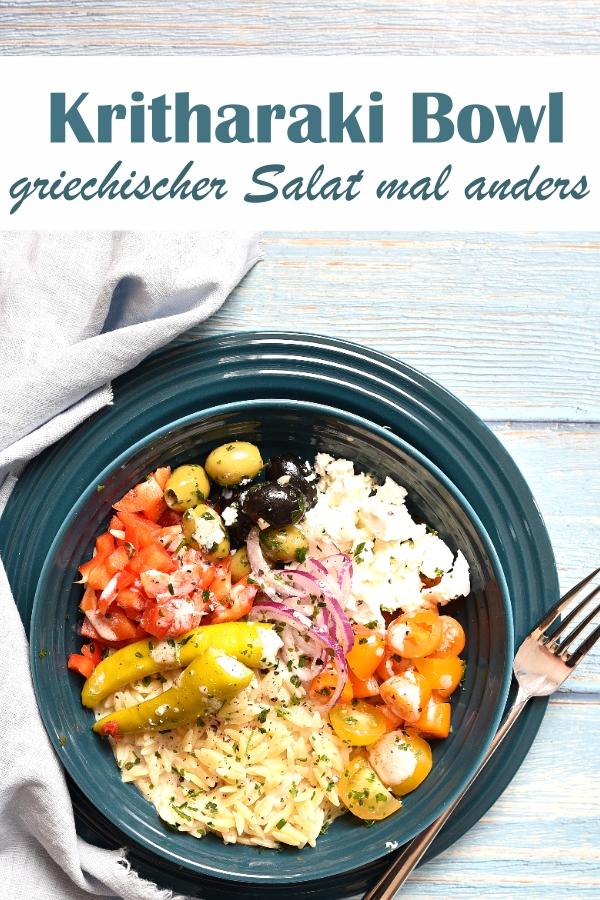 Kritharaki Bowl, griechischer Salat mal anders, Nudelsalat, Feta, Peperoni, Oliven, Tomate, Paprika, Gurke, Zwiebel, vegetarisch, Sommerrezepte, Dressing aus dem Thermomix