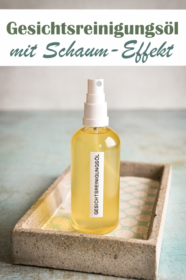 Gesichtsreinigungsöl mit leichtem Schaum-Effekt - Öl wird leicht weißlich, sobald es mit Wasser in Kontakt kommt, Zutaten: Mandelöl, Aloe Vera Öl, Softfeel, äth. Lavendelöl, Vitamin E