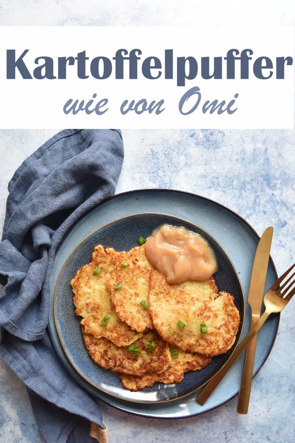 Klassiker: Kartoffelpuffer wie von Omi mit Apfelmus, ohne Ei, nur Kartoffeln, Zwiebeln und Mehl, zerkleinert im Thermomix, Mittagessen, Familienküche
