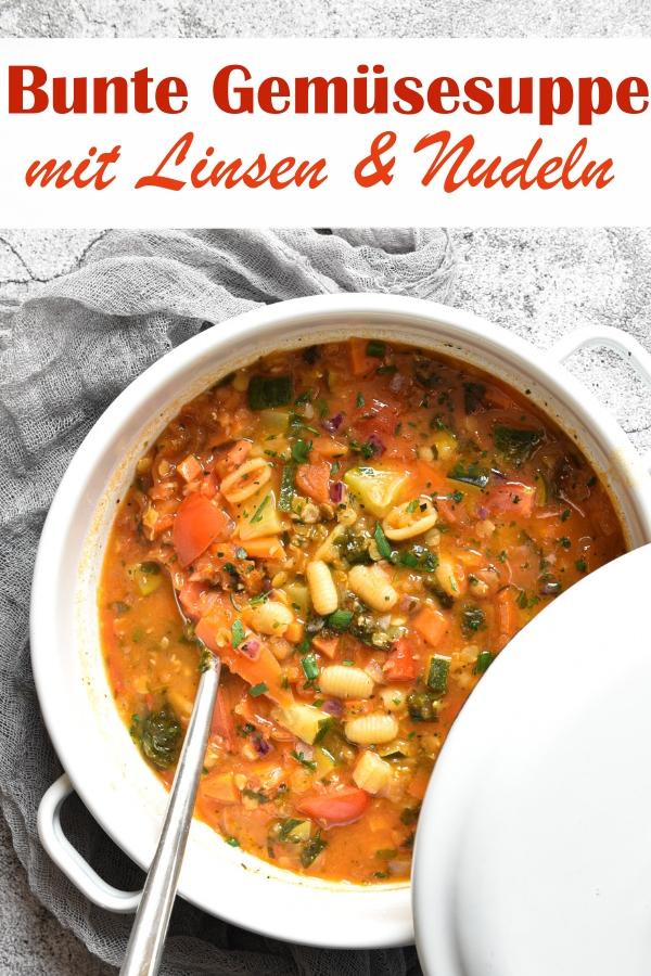 Bunte Gemüsesuppe mit Tomaten, Zwiebeln, Knoblauch, Zucchini, Linsen, Nudeln, Spinat, Möhren, aus dem Thermomix, vegan, vegetarisch, leckeres Mittagessen, Familienküche, gesund