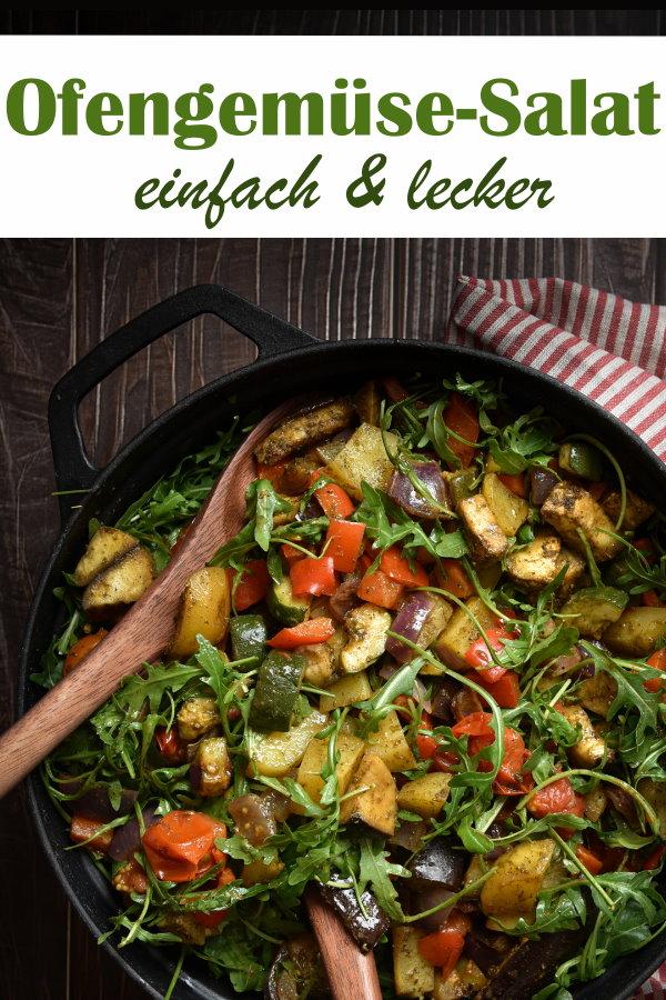 Ofensalat schnell und einfach gemacht und richtig lecker, mit Paprika, Tomaten, Aubergine, Zucchini, Zwiebeln und Kartoffel im Ofen gegart mit einer Würzmischung,  mit Rucola gemischt und warm serviert, vegan, vegetarisch, Sattmachersalat, Thermomix