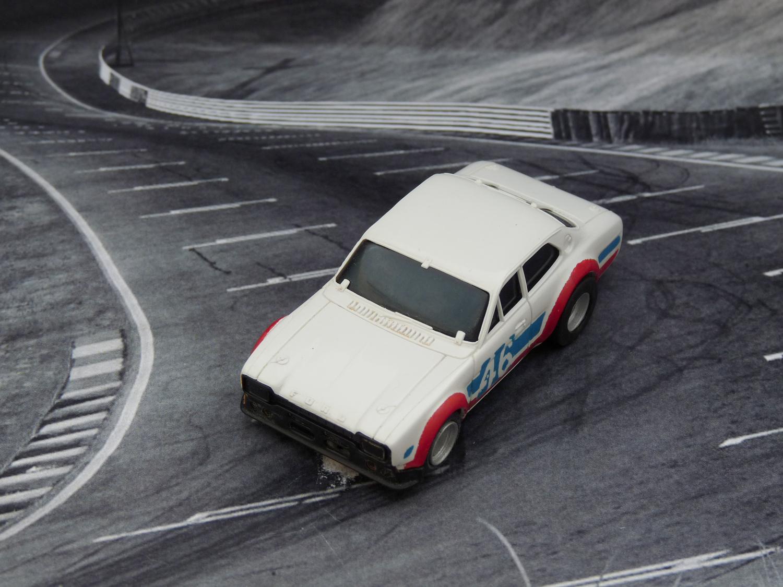 AURORA AFX Ford Escort weiß/blau/rot #46