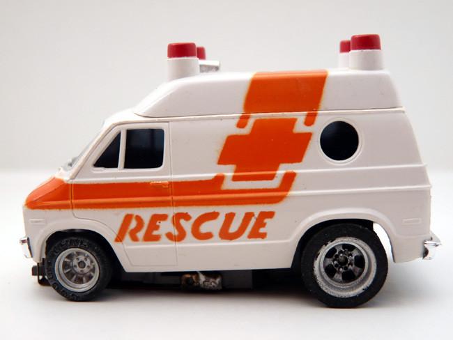 AURORA AFX Dodge Van Rescue weiß / orange #1937